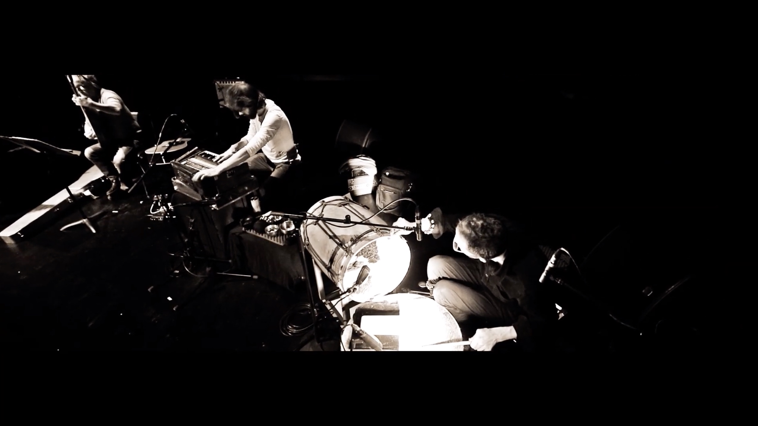 Ensemble Minisym 'Log in B' (live au Théâtre Garonne, Toulouse, mars 2019)
