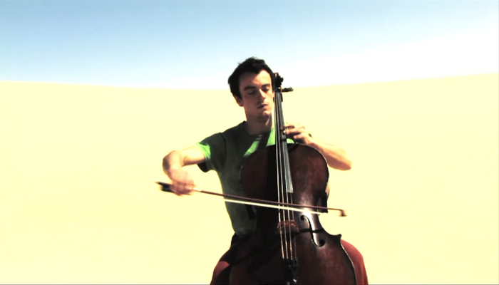 'Gaspar Claus playing in the Sahara Desert' (A Take Away Show by La Blogothèque, 2008)